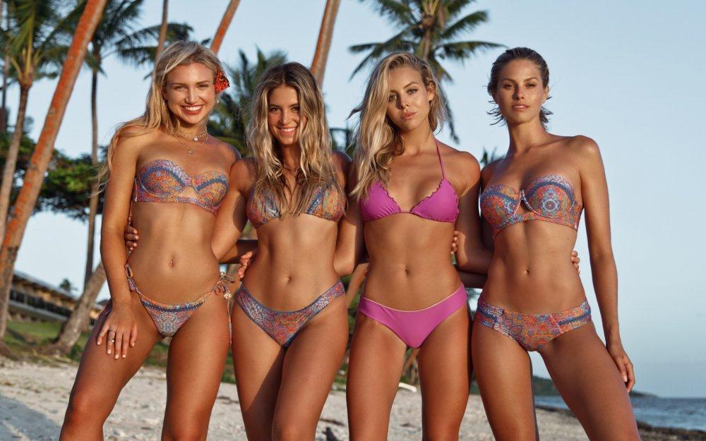 Gabby_Epstein_Sarah_Kohan_Bree_Kleintop_Natalie_Roser_model_women_bikini_beach-1451403.thumb.jpg.8688c5f4516ad2c6dbc1fb4414b41e9b.jpg